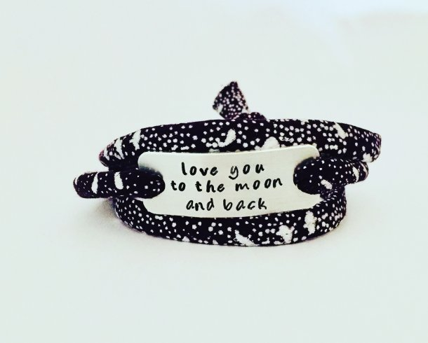 Bestel de Love you to the moon and back armband